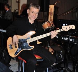 Bass: Hartmut Heinzelmann