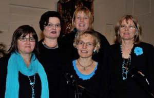 von links: Astrid Senger, Angelika Brune, Birgit Zauner, Hilde Hofmann, Bärbel Meier-Wichmann (Mitte vorne)