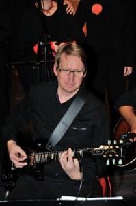 Gitarre: unser Jörg, immer voller E-nergie
